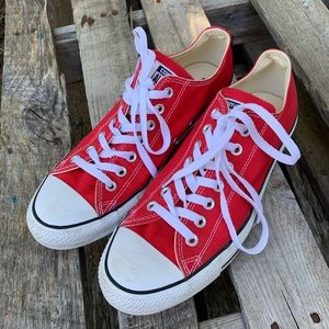 Converse M9/W11 All Star red low top sneakers